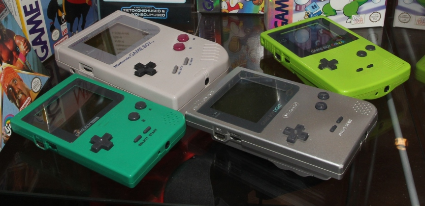 Gamer's Thoughts: 10 facts about the gameboy and gameboy color